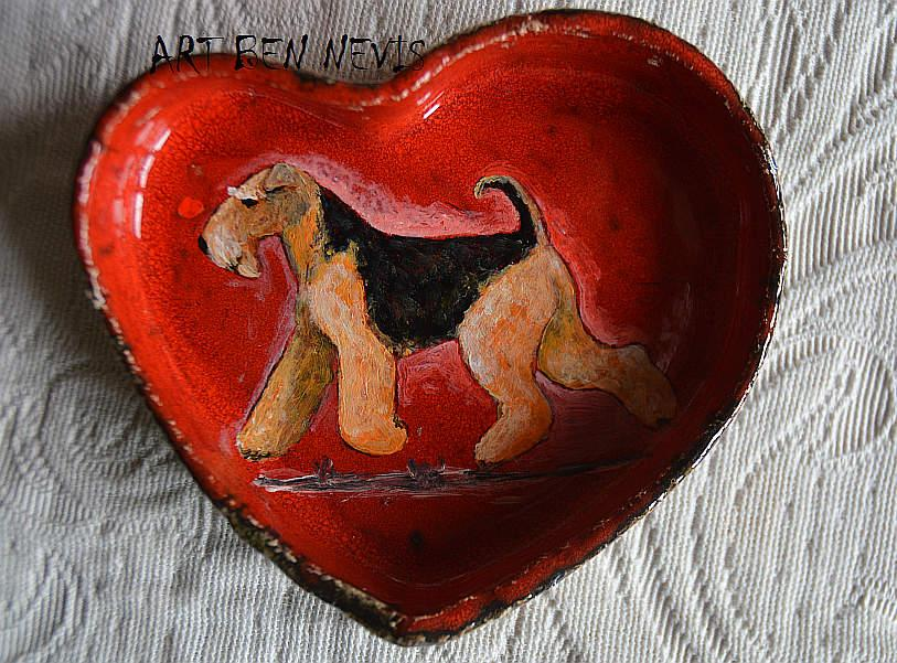 A heart – Airedale terrier